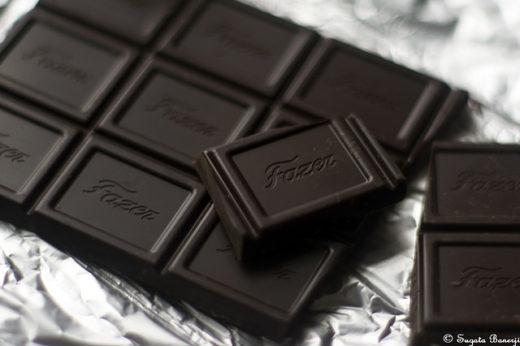 Black chocolate1 520x346 - Por qué el chocolate es tóxico para los perros